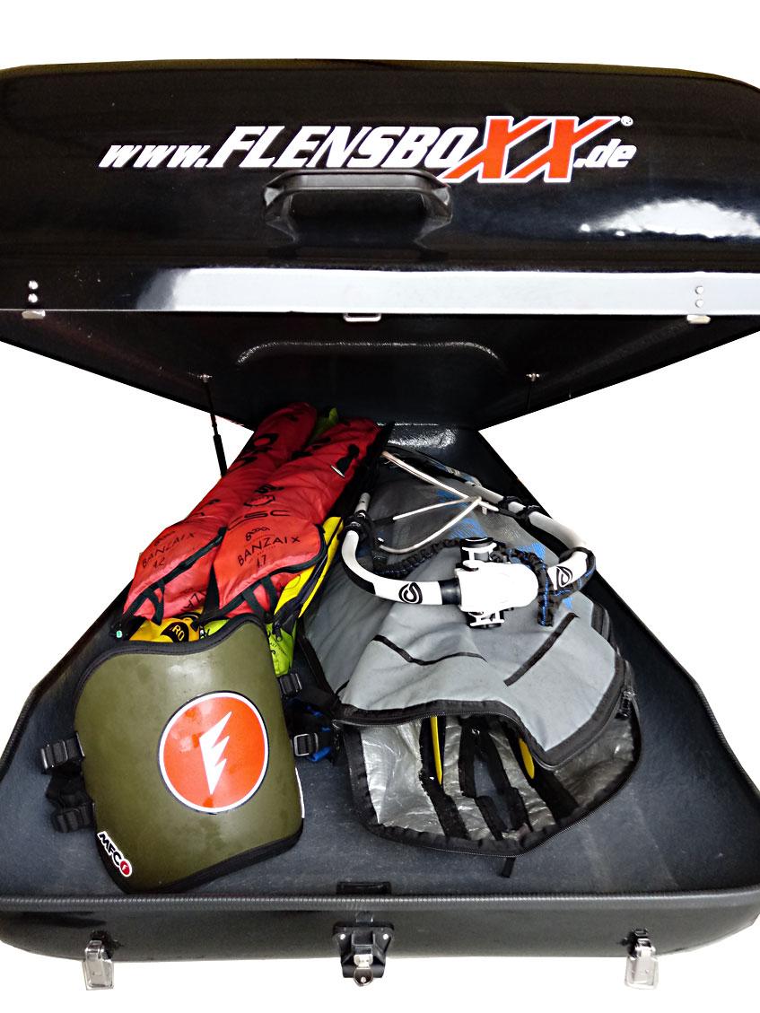 XL-Dachbox mit 1100 Liter Fassungsvermögen in schwarz